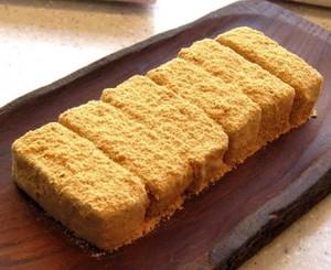 送料無料。会津のうまい切り餅4種類。(よもぎ、玄米、黒まめ、黄金)